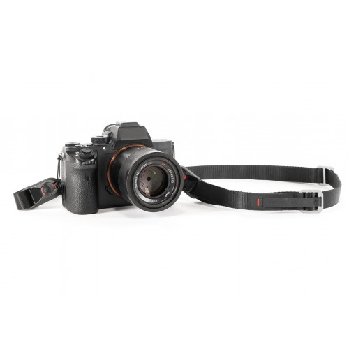 Peak Design Leash - Charcoal - Quick-connecting versatile camera strap