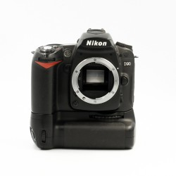 Used Nikon D90 Body Only w/ MB-D80 grip