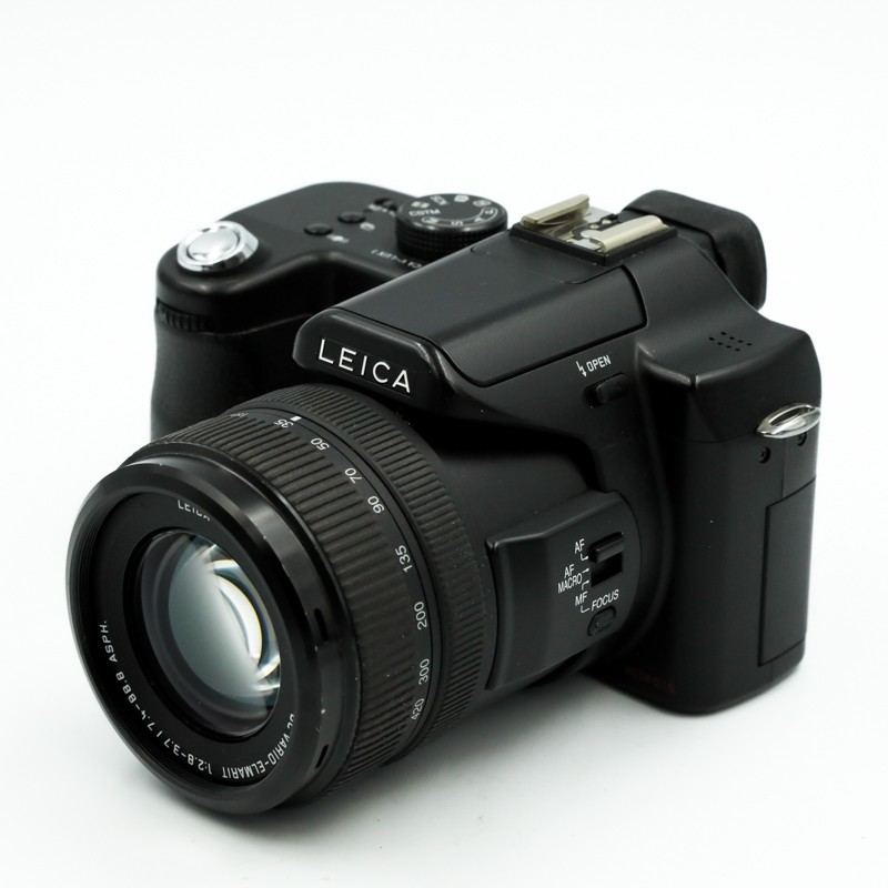 Used Leica V-Lux 1
