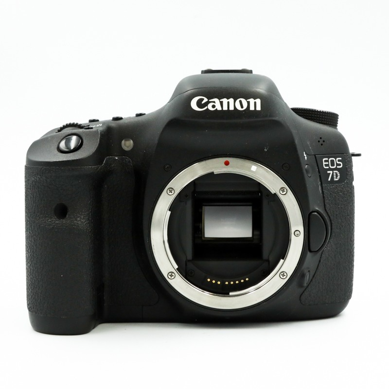 Used Canon 7D Body only