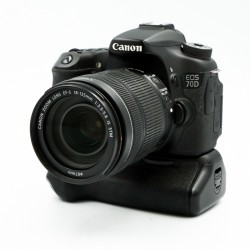 Used Canon EOS 70D + 18-135mm f3.5/5.6 IS STM Lens + Grip