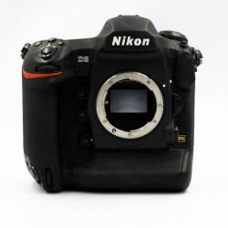 Used Nikon D5 XQD Body and rubber armour