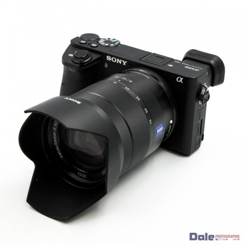 Used Sony A6500 + 16-70mm f4 Zeiss Vario-Tessar Lens + HVL-F20M Flash
